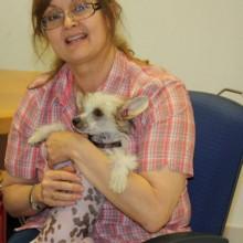 Chinese Crested Dog und Dr. Utiger mit Kleintierpraxis Utiger